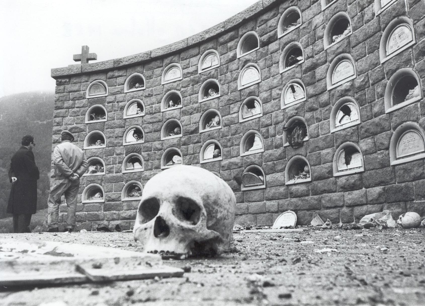 Ossario_di_Burgusio_-_Attentato_terroristico_del_10_ottobre_1982